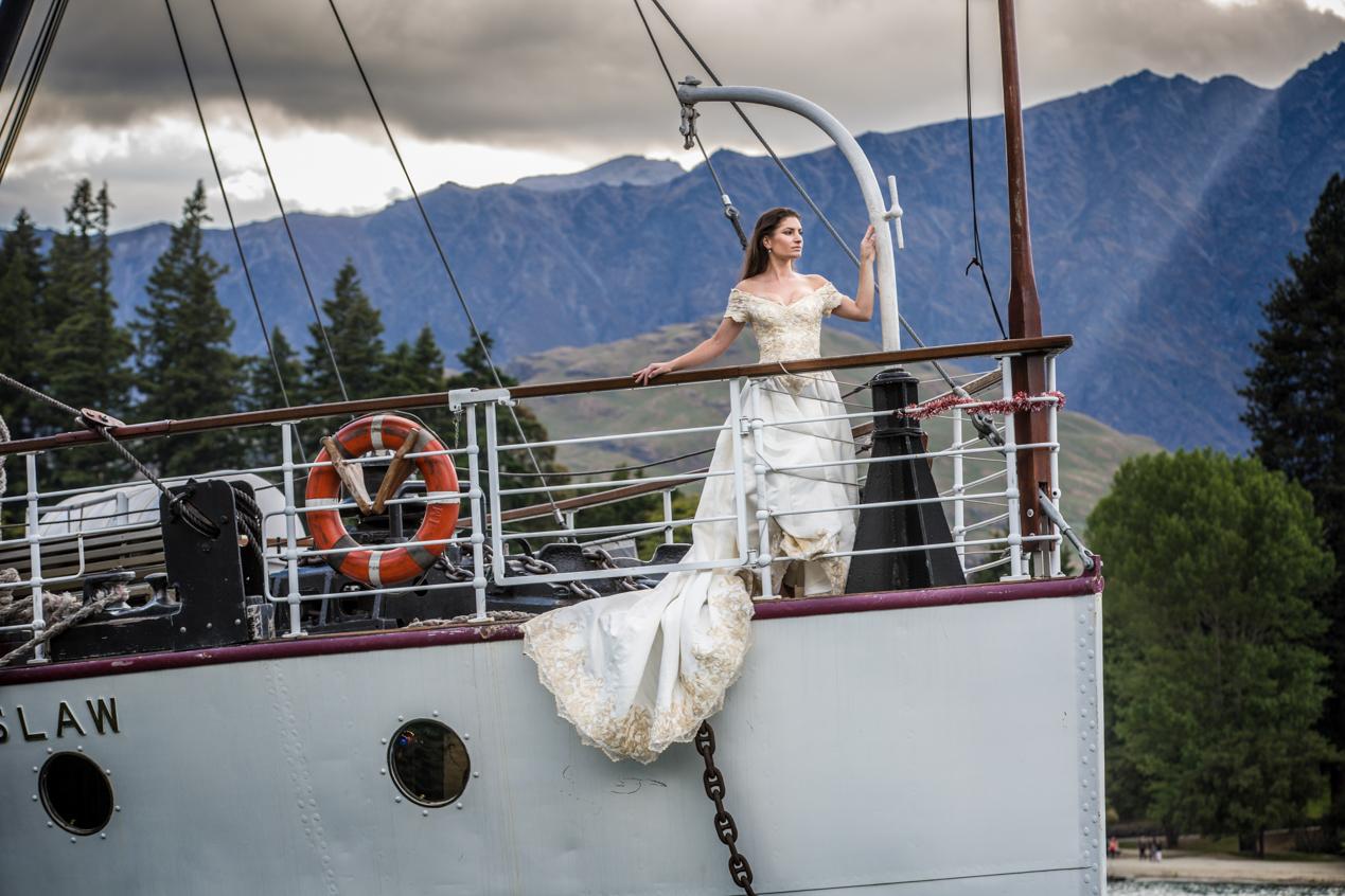 Titanic-bride